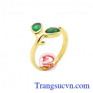 Nhẫn emerald thiên nhiên hạnh phúc