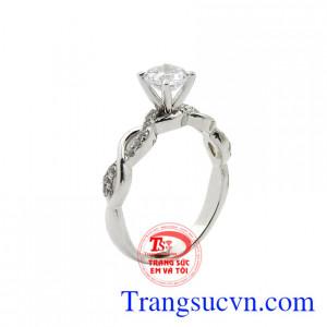 Nhẫn kim cương thanh lịch
