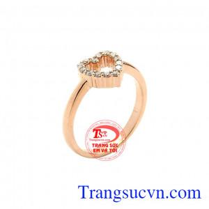 Nhẫn vàng hồng tình yêu