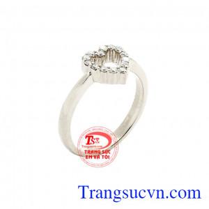 Nhẫn vàng trắng yêu thương