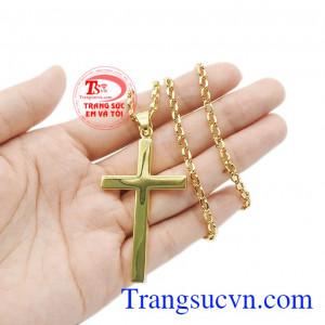 Không chỉ thích hợp cho người theo đạo, mà bộ trang sức này còn hợp thời trang, giúp người dùng thể hiện cá tính. Bộ thánh giá vàng đức tin