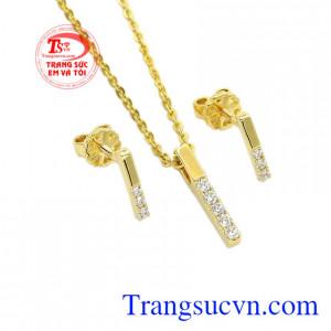 Trang sức Em và Tôi nhận đặt thiết kế 3D các sản phẩm trang sức vàng tây, đá quý theo yêu cầu của khách hàng.