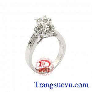 Nhẫn nữ kim cương kiêu sa