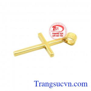 Mặt dây thánh giá phù hợp với nhiều kiểu dây chuyền tôn lên sự mới mẻ, thanh lịch. Thánh giá vàng an lành