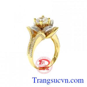 Nhẫn nữ vàng đóa hoa