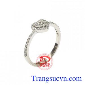 Nhẫn vàng trắng trái tim yêu thương