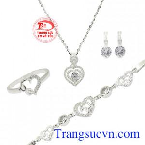 Bộ trang sức bạc trái tim