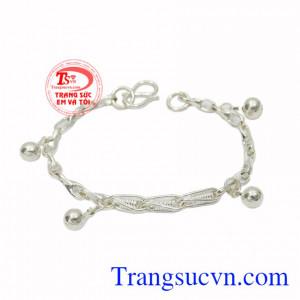 Lắc bạc phong cách cho bé