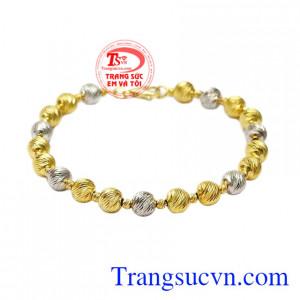 Lắc tay bi vàng phong cách