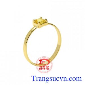 Nhẫn nữ saphir vàng nhỏ xinh