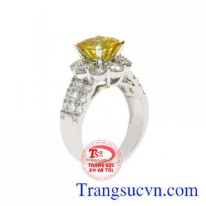 Nhẫn nữ sapphire vàng quý bà