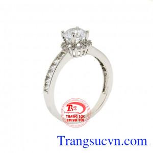 Nhẫn nữ vàng trắng lộng lẫy