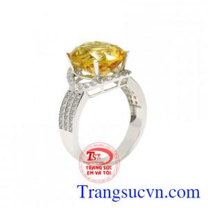 Nhẫn vàng trắng thạch anh vàng