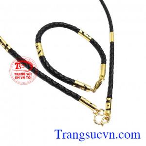 Bộ trang sức dây da bọc vàng
