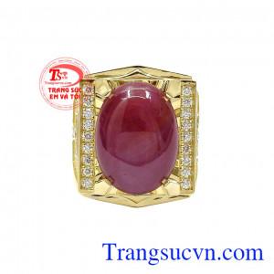 Chiếc nhẫn được kết hợp đá ruby sao cùng kim cương thiên nhiên sang trọng, đẳng cấp và hợp mệnh. Nhẫn nam ruby sao quyền lực