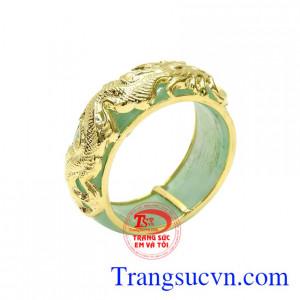 Nhẫn ngọc cẩm thạch rồng vàng