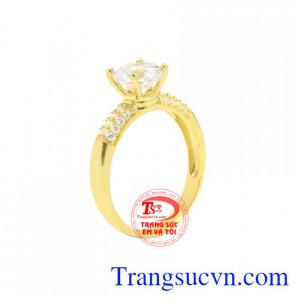 Nhẫn nữ vàng màu ấn tượng