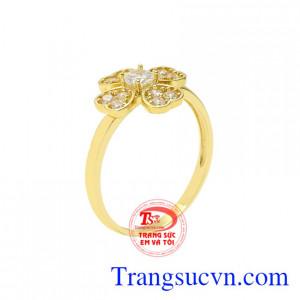 Nhẫn nữ vàng màu may mắn