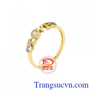 Nhẫn vàng nữ tình yêu