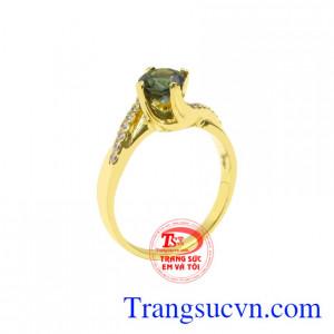 Nhẫn vàng Sapphire quý cô