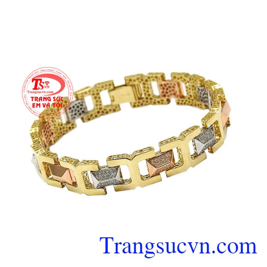 Vàng trắng, vàng hồng và vàng màu kết hợp cách hài hòa đem tới cho người dùng sản phẩm nổi bật và cá tính. Lắc nam vàng tây phong cách