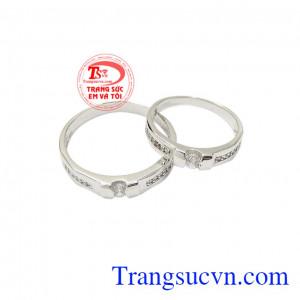Nhẫn cưới vàng trắng bền chặt