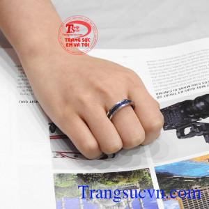 Nhẫn nam sapphire thời trang được bảo hành uy tín, giao hàng trên toàn quốc.