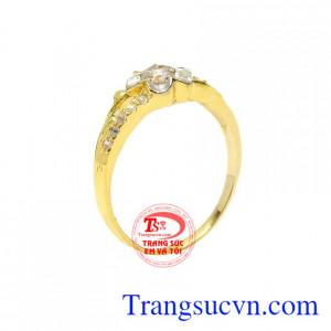 Nhẫn vàng hoa nữ tính