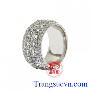 Nhẫn vàng trắng ấn tượng