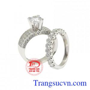 Nhẫn vàng trắng phong cách thời trang