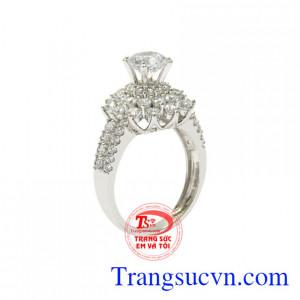 Nhẫn vàng trắng quý cô lấp lánh