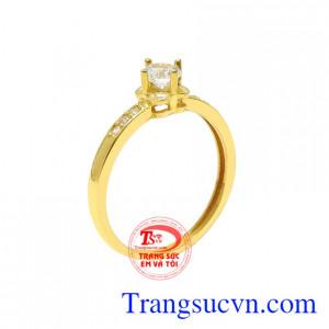 Nhẫn vàng màu nhỏ xinh