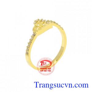 Nhẫn vàng trái tim nữ tính