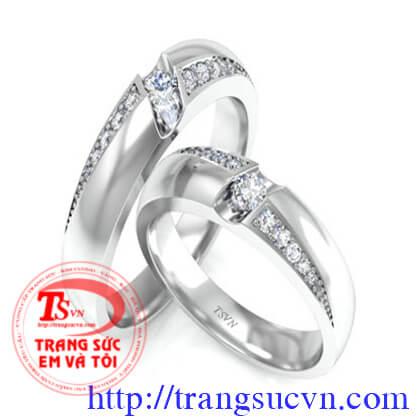 Cặp nhẫn cưới vàng trắng tình yêu