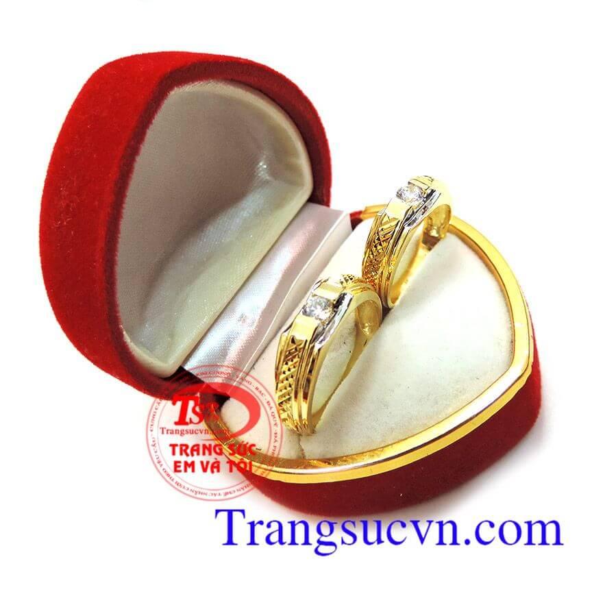 Đôi nhẫn cưới vàng