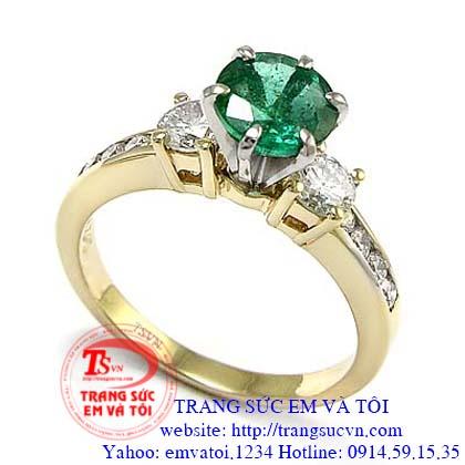 nhẫn emerald